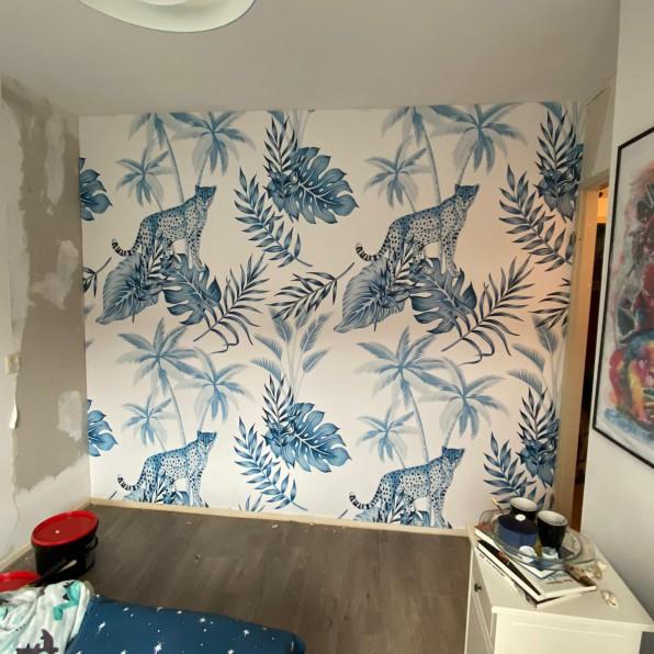 Behang met luipaard patroon