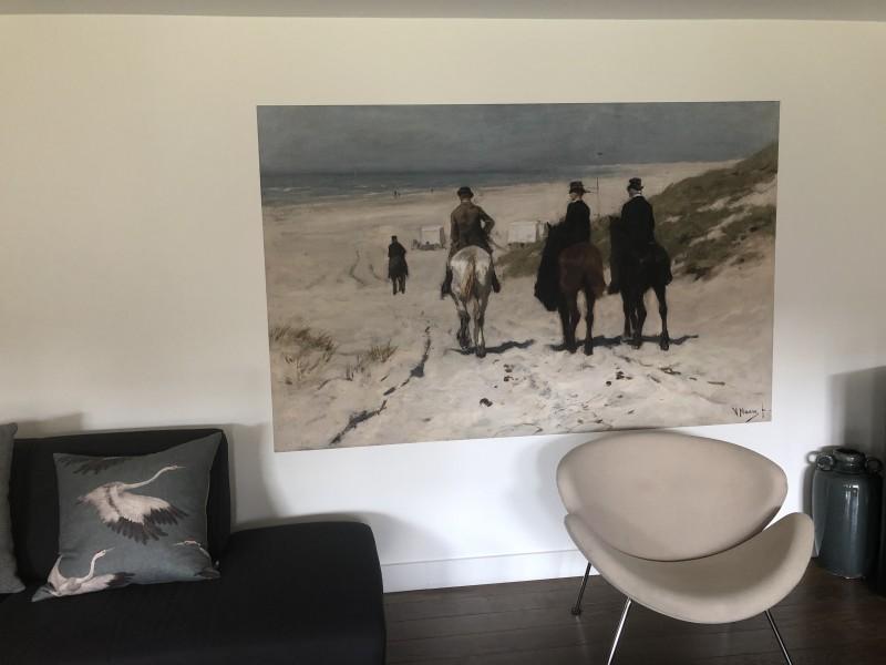 Naadloos behang met schilderij morgenrit langs het strand