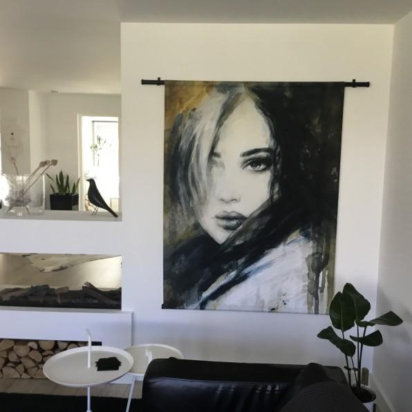 Wandkleed met illustratie vrouw