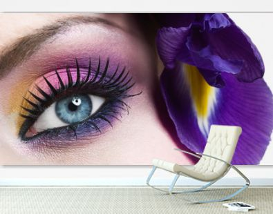 Blue eye make-up with flower