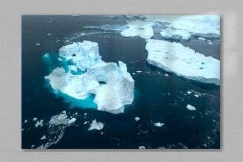 icebergs are melting in arctic ocean in greenland