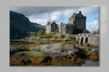 A beautiful afternoon at the Eilean Donan Castle in Scotland.